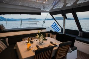 12-breakfast-onboard-sailing-yacht