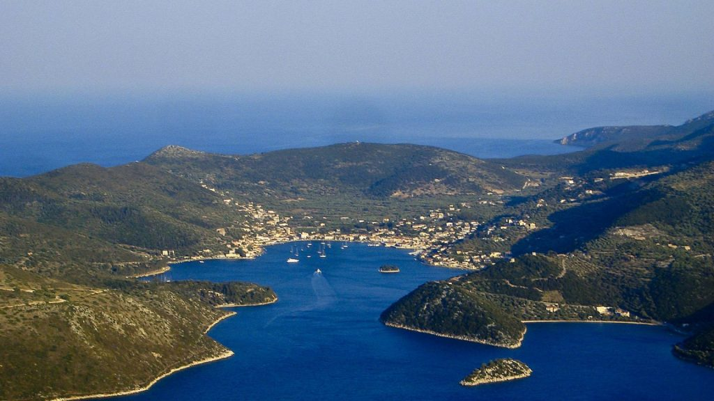 ithaki-vathy-crewed-sailing-charters-l