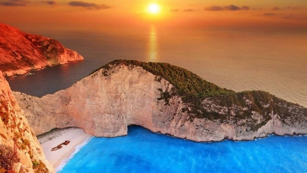 zakynthos-crewed-boat-tours-l
