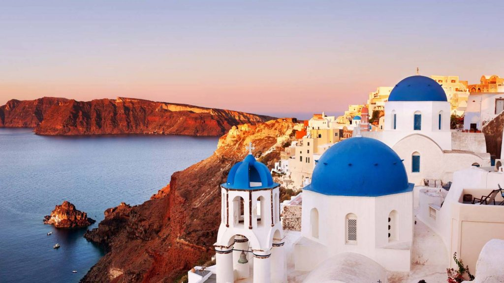 oia-santorini-crewed-yacht-holiday-l