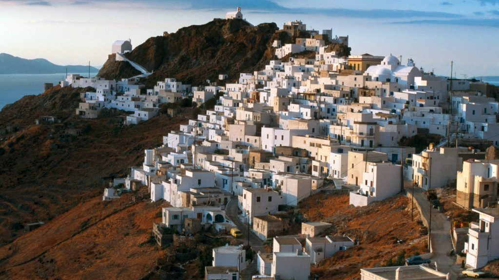 organized-crewed-yacht-charters-Serifos-l