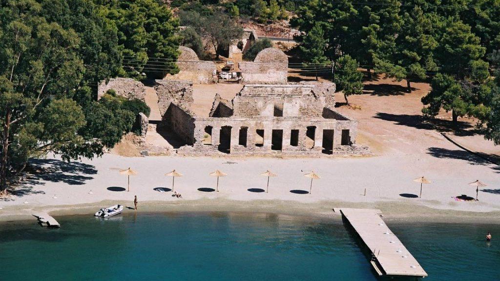 poros-island-crewed-sailing-trips-l