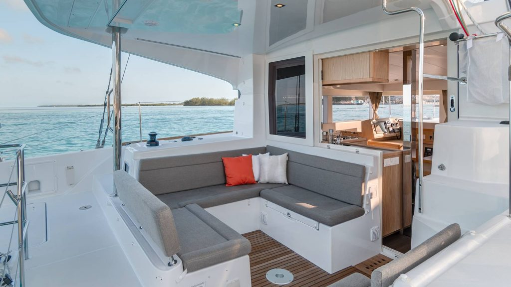 aa-charter-lagoon-39-9-l